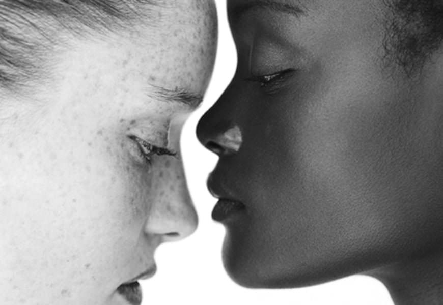femmes peau noire parfaite